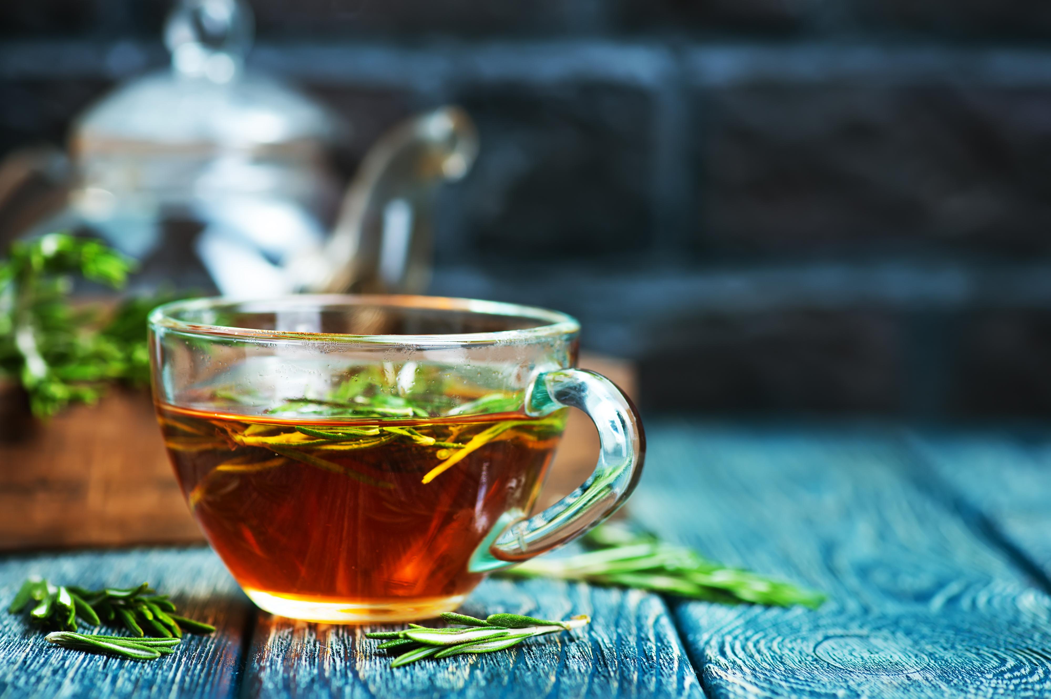 rosemary-tea-PWS8YB4